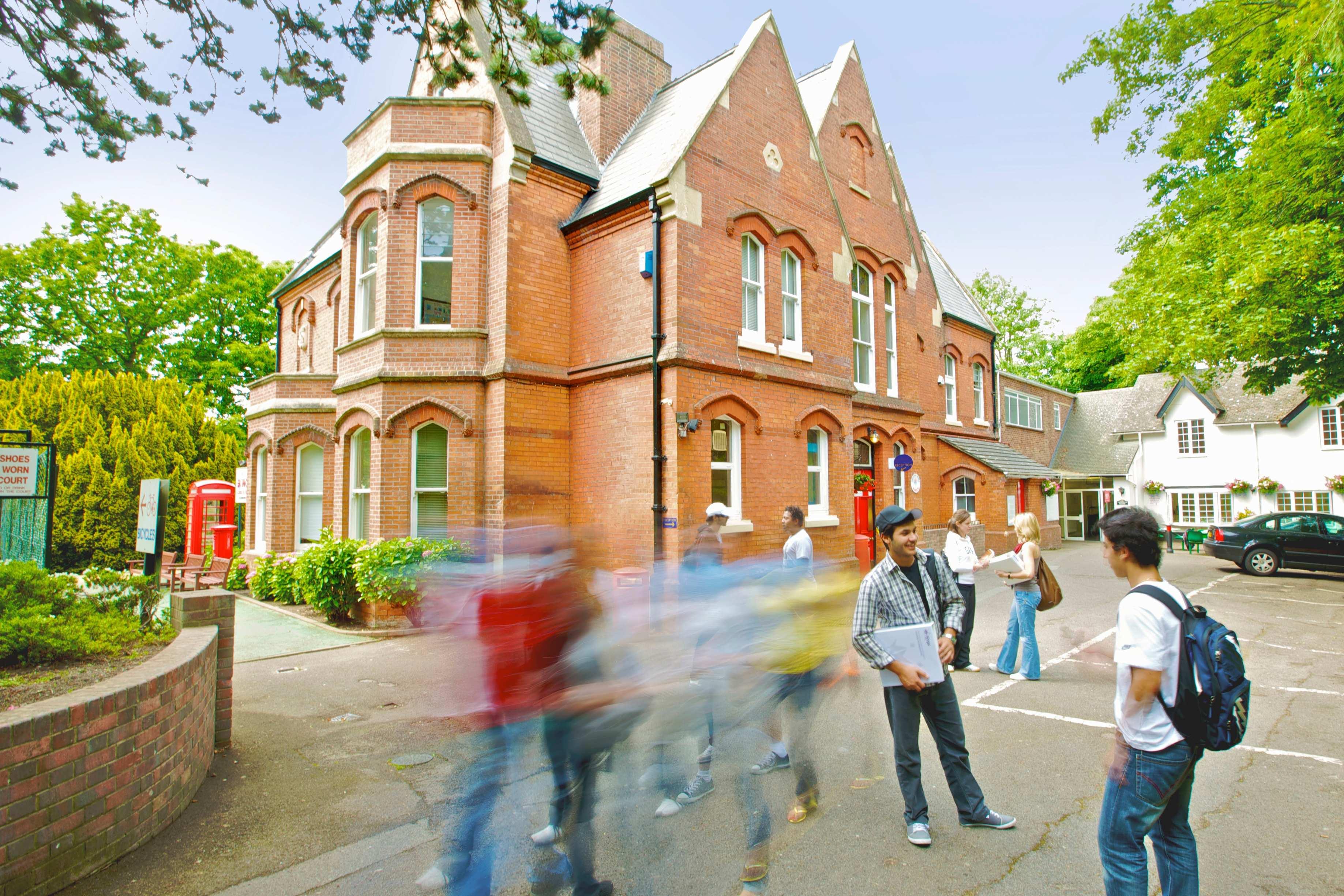Kings College Bournemouth English Courses Cactus Language