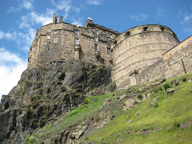 English Courses UK Scotland Edinburgh